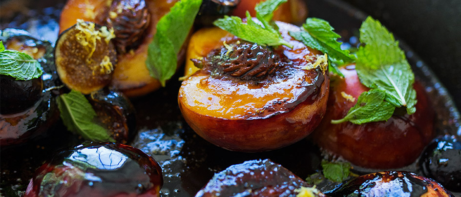 Web-Article-Francis-Mallmann-Peaches-Figs-Roasted-Open-Fire-Cooking-Recipe
