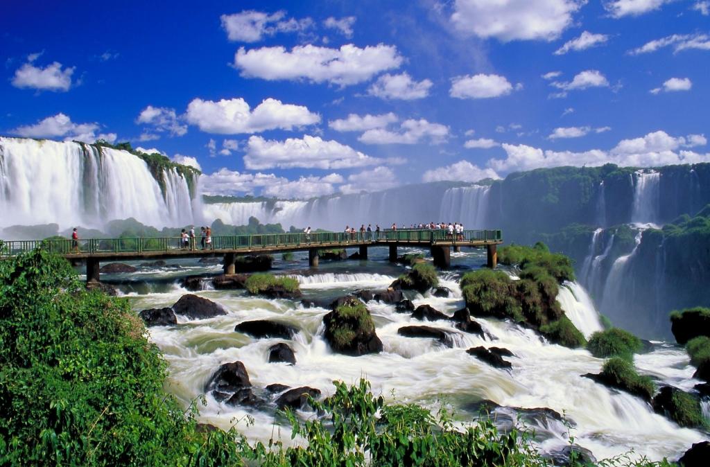 brazil_iguassu_falls